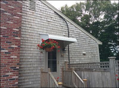 aluminum-awning-new-bedford-massachusetts_opt (1)