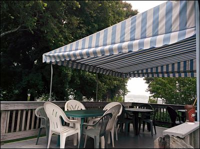 deck-awning-dartmouth-ma-stripes_opt
